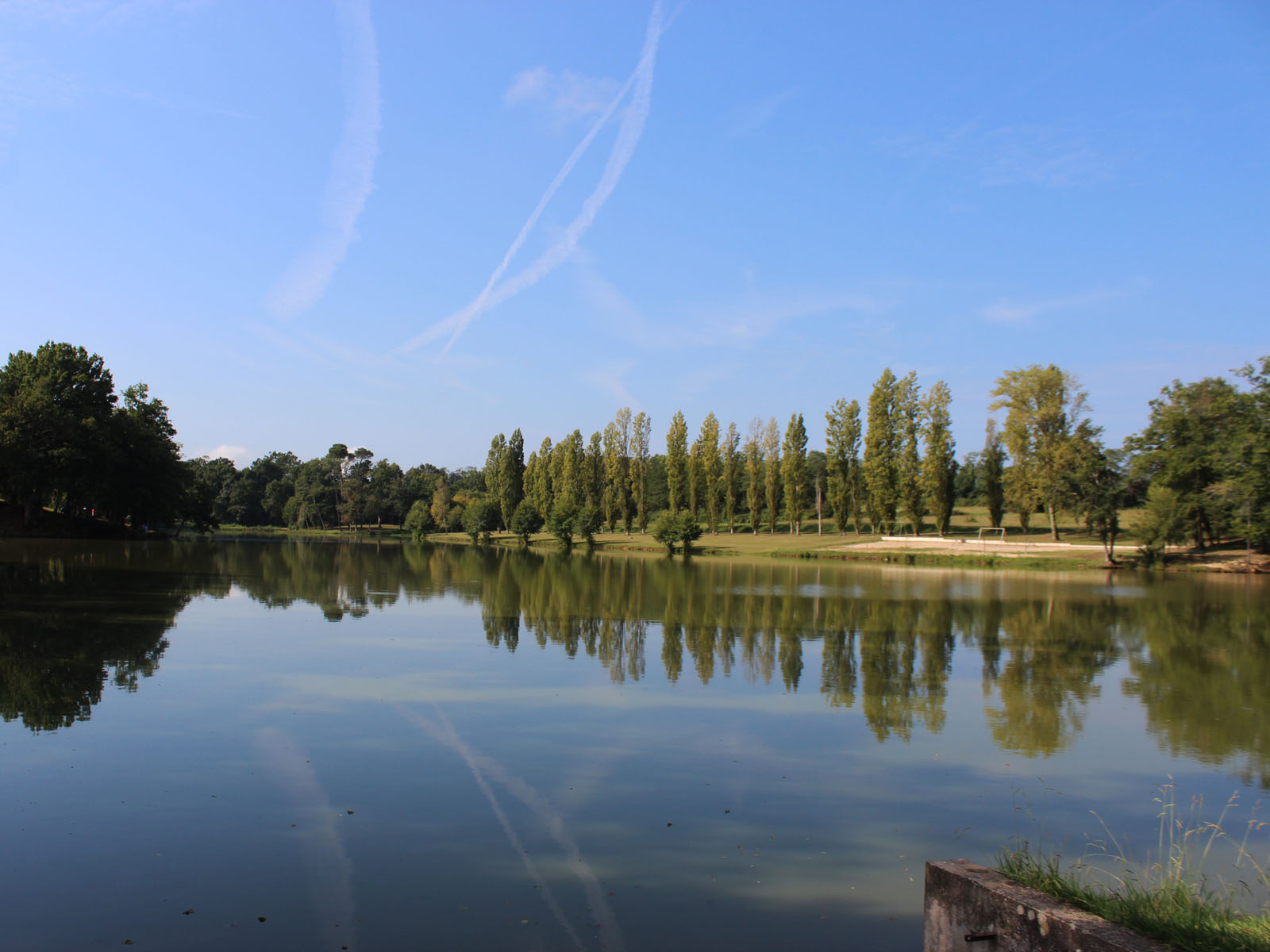 Lac de Luc à Pouillon